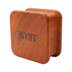 RYOT Square Wood Grinder – גריינדר עץ