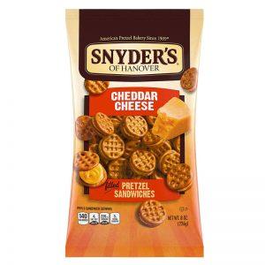 סנדוויץ' בייגלה עם קרם גבינת צ'דר מעולה Snyder's