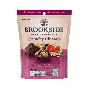 כדורי שוקולד מריר ממלואים בטעם דגנים ופירות יער Brookside